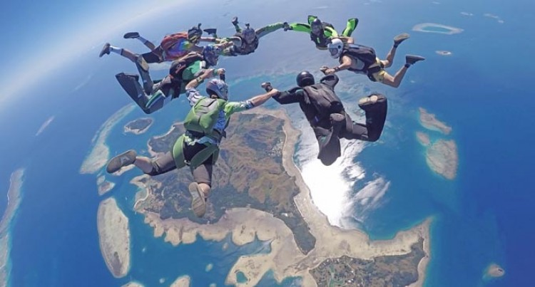 100 Skydivers Enjoy Malolo Lailai View