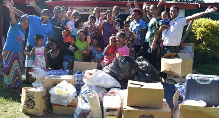 Loloma Home Residents Receive Gifts