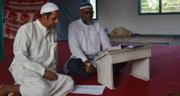 Ali Prepares For EID