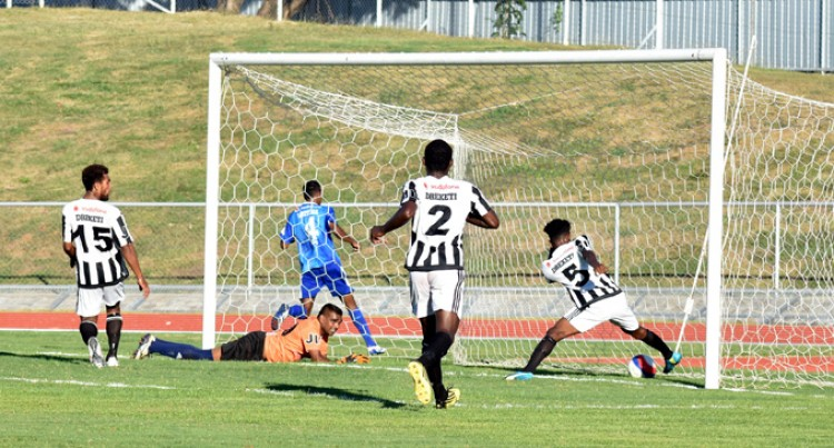 Unbeaten Blues Thump Dreketi