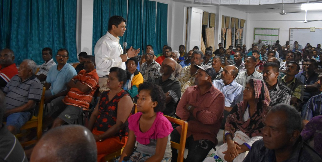 Minister for Economy and Attorney General Aiyaz Sayed-Khaiyum explaining to the sugarcane farmers during a talanoa session at Waiqele College last night (May 31). Photo:SHRATIKA NAIDU