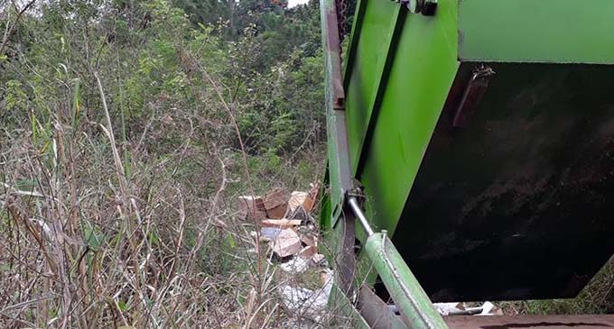 Pictured is the truck used to illegally dump rubbish in Nabou, Nadroga, on July 30, 2017. Photo: Mike Jamieson