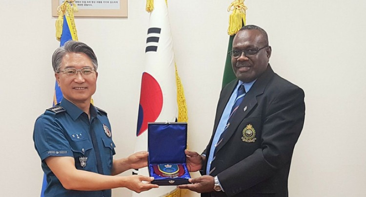Tudravu Visits Gimhae, Jungbu Police stations