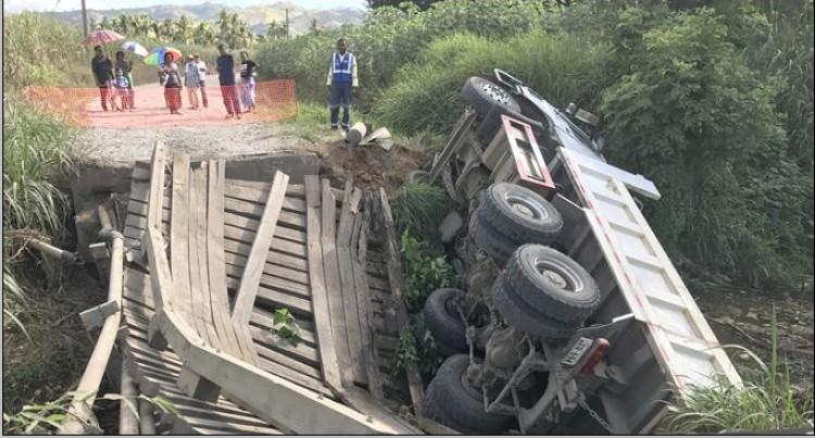 We Saw Bridge Collapse  Under Truck's Weight: Men