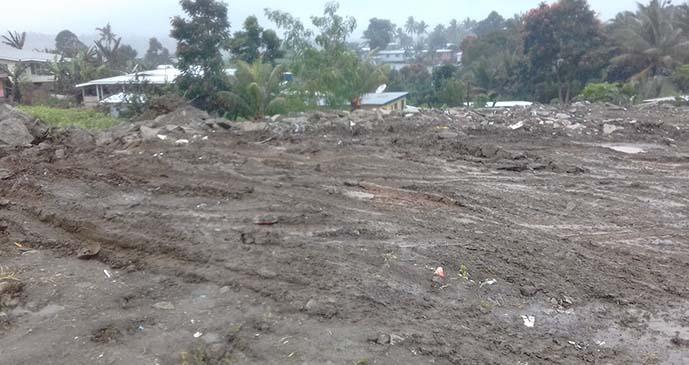 Rubbish along Khalsa Road, Nasinu, being cleared by Nasinu Town Council. Photo: Lusiana Tuimaisala