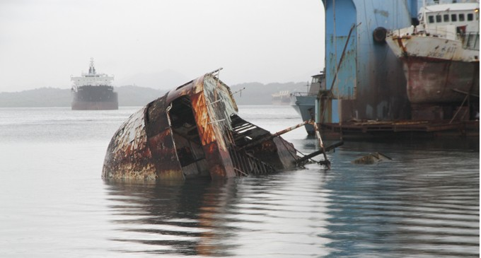 Fiji Ports Work With MSAF On Derelict Removal