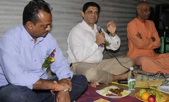 A-G Joins Hindu Brothers, Sisters In Prayers