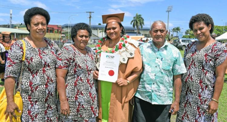 Nawaikama Native Breaks Down While Receiving Degree Certificate