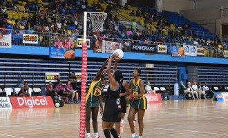 Pearls Outshine By Proteas