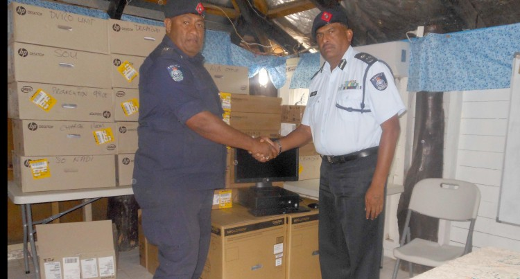TECHNOLOGY: Nadi Police Supplied With Computer Gear