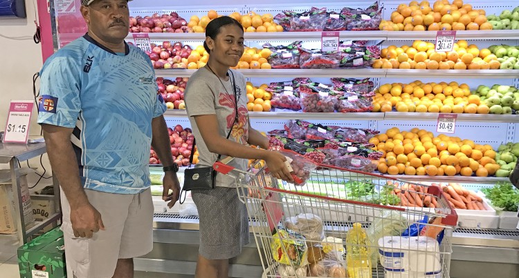 Waqa Coaches Daughter on Shopping Tips