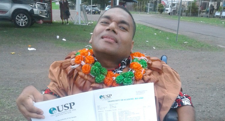 Laisenia Credits Father For University Graduation