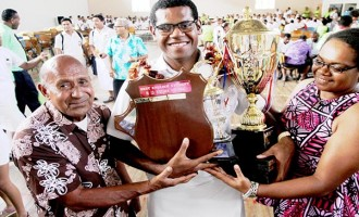 Prize-giving: Minimbi Is MBHS Dux