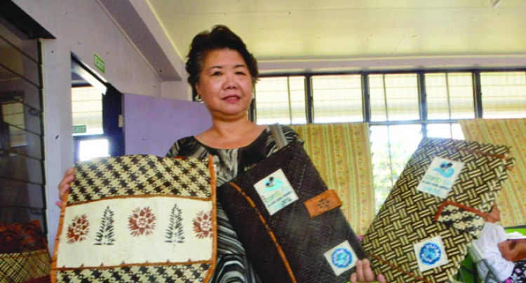 Ba Women Sew Bags For COP23 Delegation, Happy With Cash