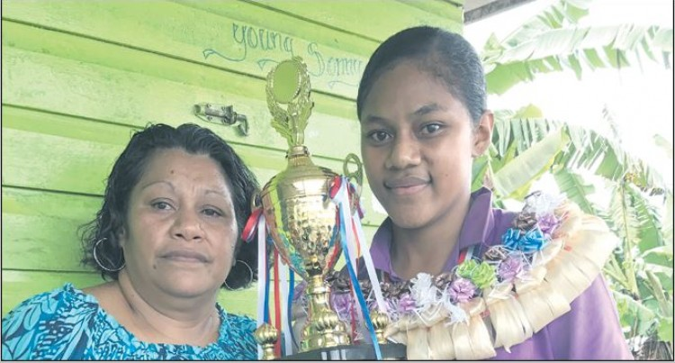 Young Mum, Dux Proves It Can Be Done