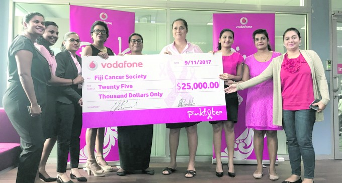 Vodafone Fiji Hands Over $25,000 Cheque
