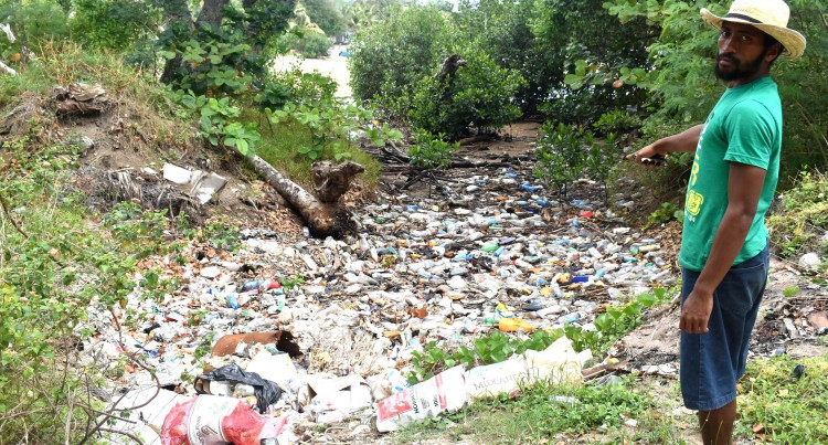 Illegal Rubbish Dumping  Affects Villagers'  Livelihood, Sustenance