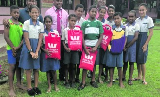 Westpac Golf A Hit For Students