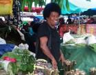 Woman Sells Dalo For Christmas Reunion