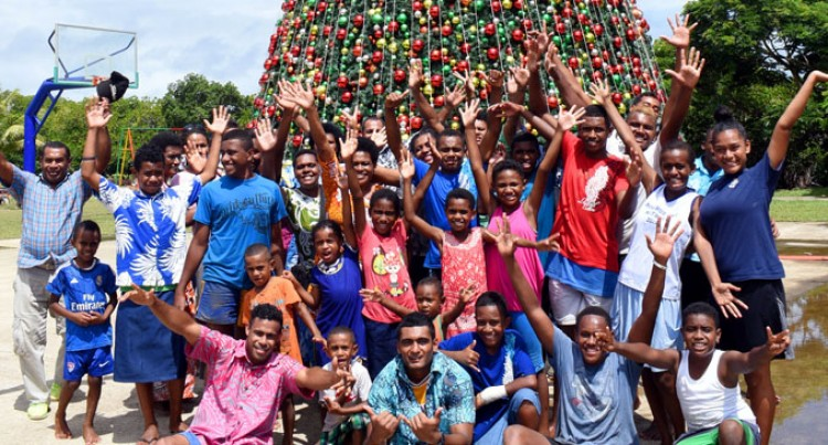 Sigatoka Church Children Get Christmas Treat In Suva Trip