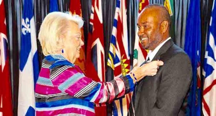 Canada  Honour  Fijian