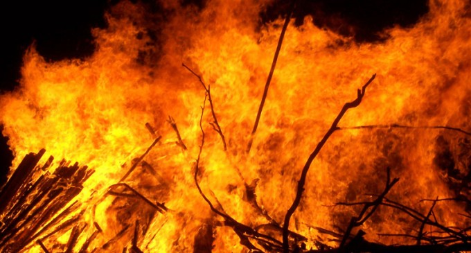 Firefighters Battle Lautoka's Vunato Dump Blaze