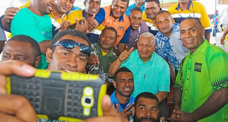 Prime Minister Announces $1000  Christmas Bonus For Fiji Pine Group Staff