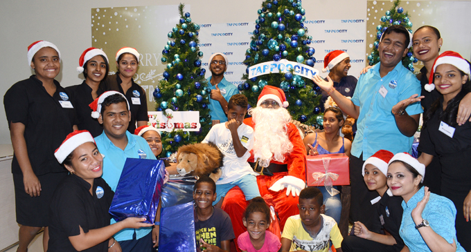 Santa Claus and TappooCity staff entertains children with their special Christmas set-up at TappooCity Suva on December 15, 2017. Photo: Ronald Kumar