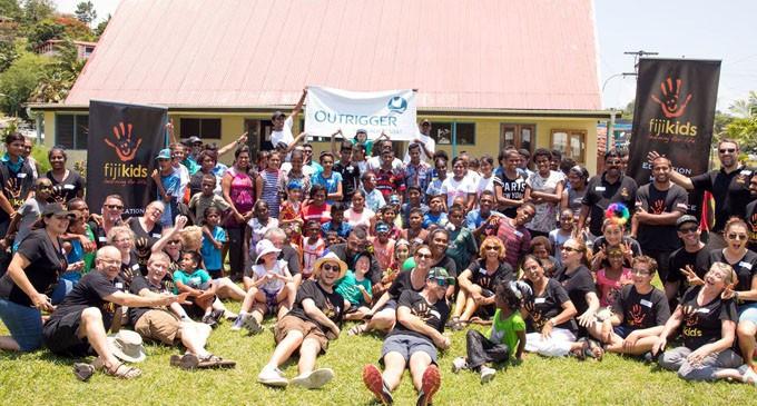 Fiji Kids Target  100 University  Graduates:  Hoskison