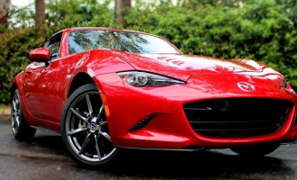 Mazda MX-5 RF wins  2017 design away