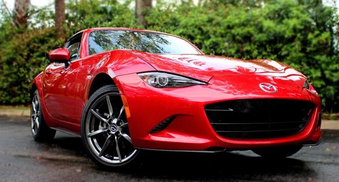 Mazda MX-5 RF wins  2017 design away