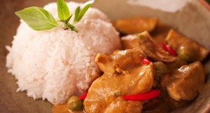 thai-chicken-curry-with-rice-in-a-bowl-154931668-584b54863df78c491e76e74f