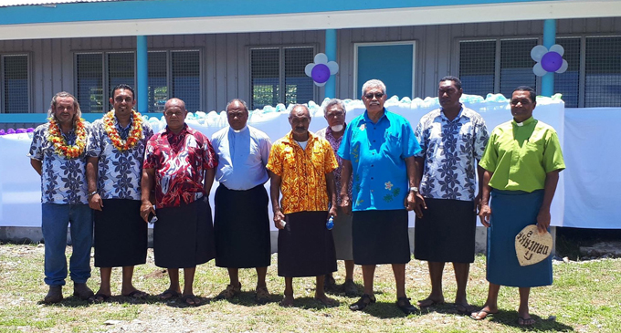 Former Prime Minister Laisenia Qarase (third from right), opened Mavana District School classrooms with guests on Vanuabalavu. Photo: Pacific Building Solutions