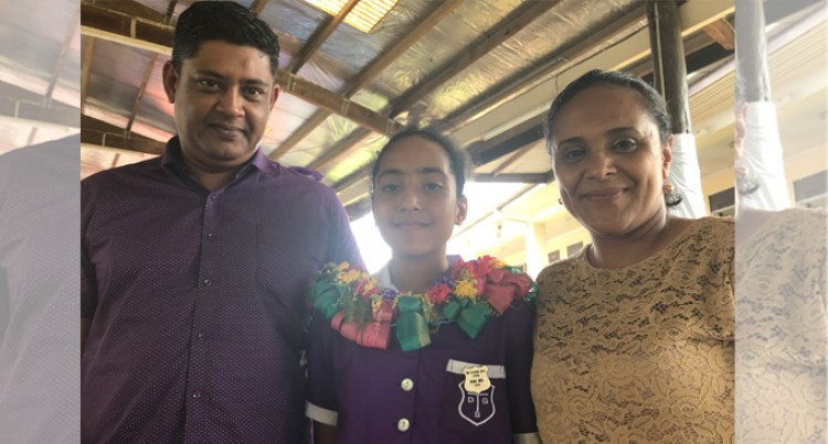 Headgirl Sings Praises For Parents