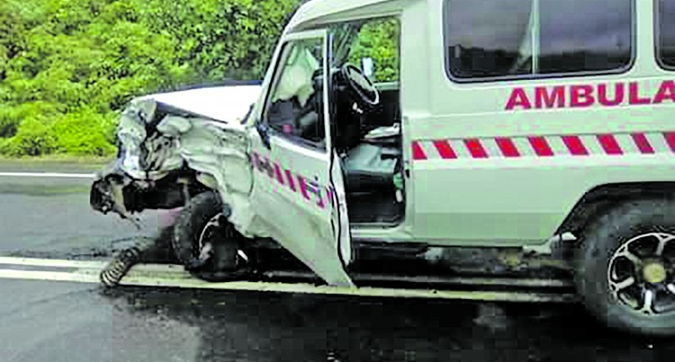 Twin cab, ambulance crash head-on in Naitasiri