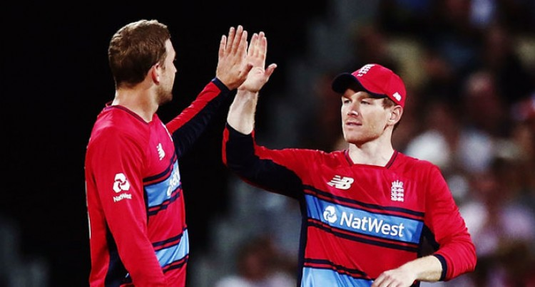 England Win, New Zealand In Final