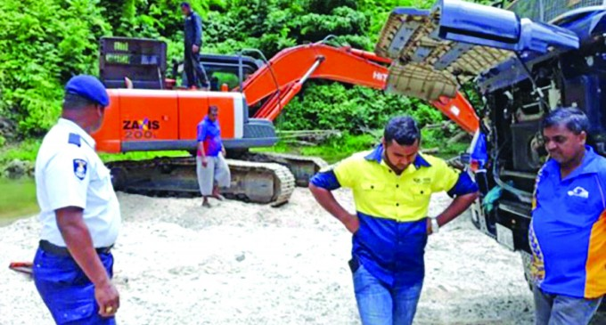 Illegal River Gravel Extractions Takes Its Toll In Mosi River