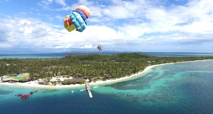 Skydiving at the Mamanuca Island.