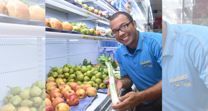 Coach Trevor Cleary picks a lot of vegetables and fruits while shopping at MaxVal-U Supermarket on March 21, 2018. Photos: Waisea Nasokia