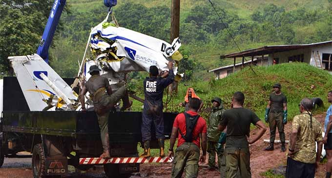 Recovery team salvage Cessna 172 plane wreck from Delaikoro Ridge