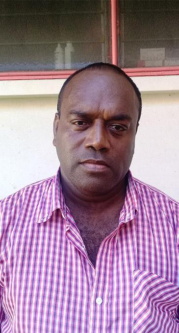 Distraught husband Peni Kalinisei at the Lautoka Hospital on April 23, 2018.   Photo: Peni Komaisavai