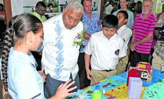 PM Joins Students In Display Of Models