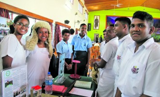Students Share Parliament Knowledge