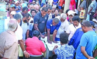 Hundreds Of Farmers Sign  Up For Government's CARE