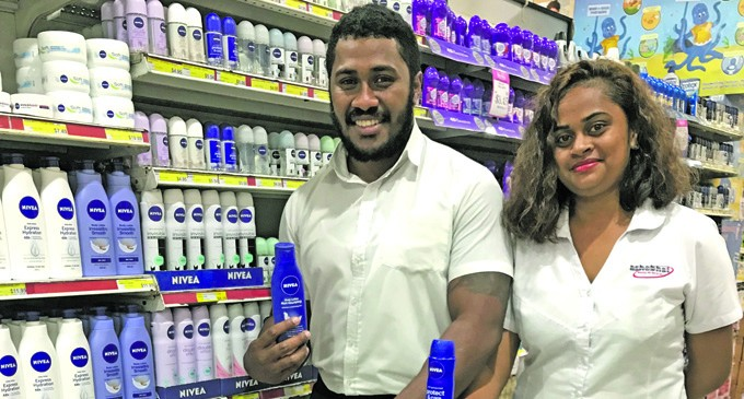 Raiqeu Shops Early For Mothers' Day