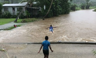 Sea Flooding Causes Kadavu Families To Evacuate. Low Pressure, High Pressure System Brings Big Waves, Heavy Rain