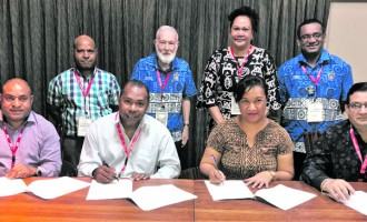 Pacific Islands Institutes Of Accountants Sign MOU