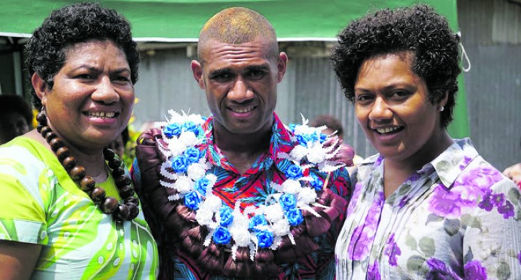Fiji Sun Editor Rosi Doviverata Wins Place In Top Fellowship