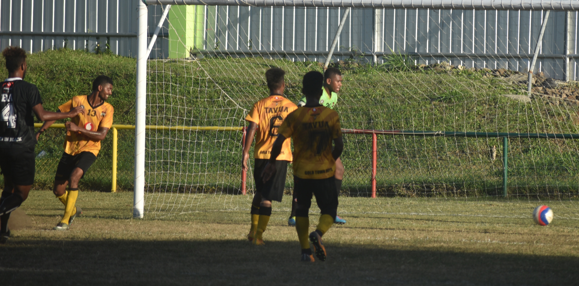 Action from the Tavua-Rewa match.Photo: Waisea Nasokia