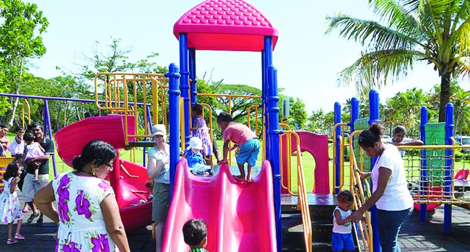 Families plan picnic outings